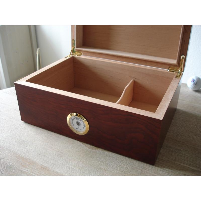 sonderangebot zigarren humidor klassiker iii germanus. Black Bedroom Furniture Sets. Home Design Ideas