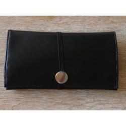 Innovative Tabaktasche in schwarz