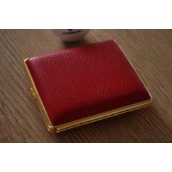 GERMANUS Zigarettenetui - Metall mit Leder Bezug - Made in Germany  - Design Hirsch Leder Rot Gold