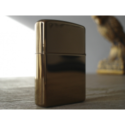 Zippo Lighter color: golden brass bronze
