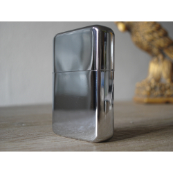 Lighter from solid metal